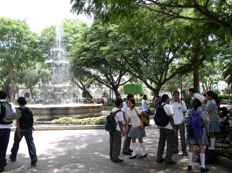 Students at the Parque Central