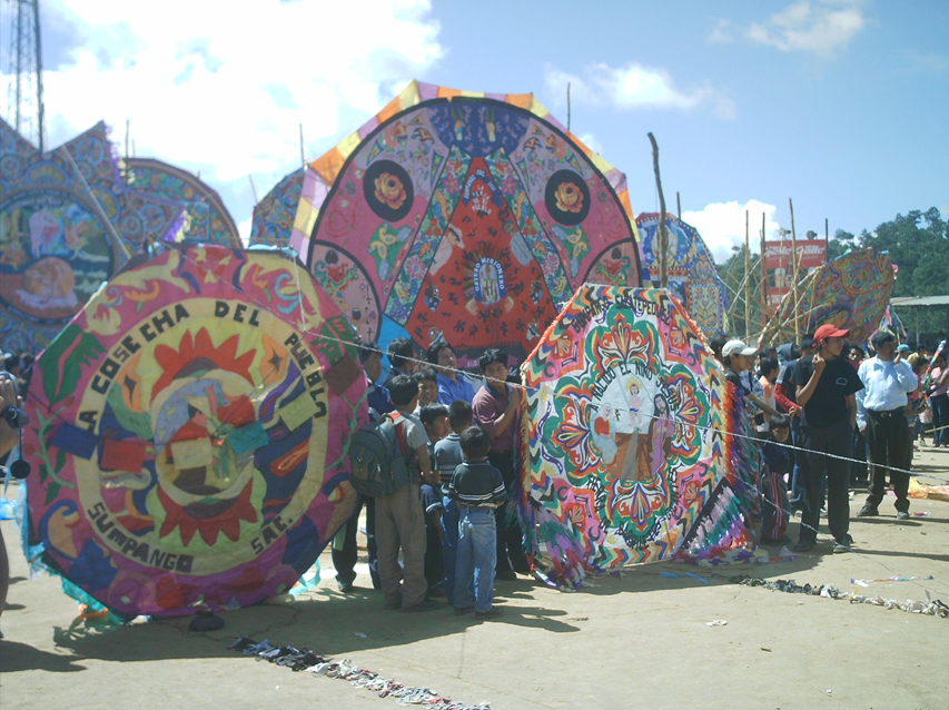 The school organizes students trips to San Juan Sacatepequez to watch the yearly giant kites show!