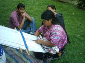 Learn first hand weaving in the school´s garden