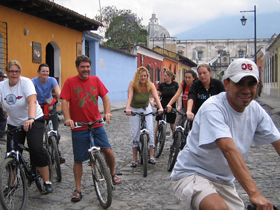One of the Spanish School′s many activities: a bike tour through Antigua