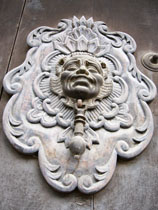 A beautiful colonial door knocker